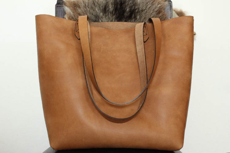 Luxe 2.0 Leather Tote by Blackhorne